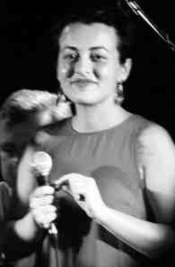 Anny Amanatidu, zpěv