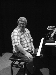 Kuba Knápek, piano
